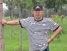 钟先生  男 32岁  国企员工